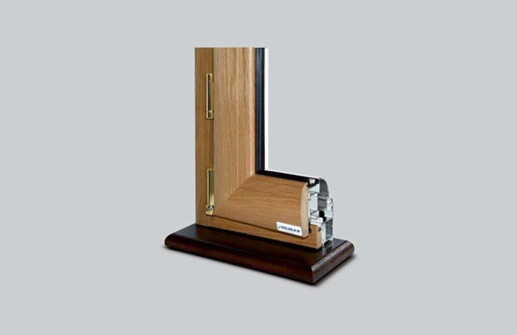 angolo su basetta double b infissi in alluminio legno e pvc